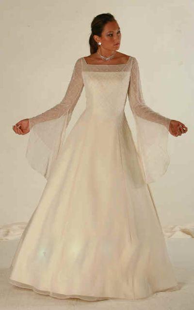 6f2a55b97b Tiffany Esküvői- és Alkalmiruha Szalon